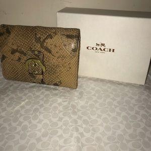 💯% Authentic Coach Alligator Tan flap wallet